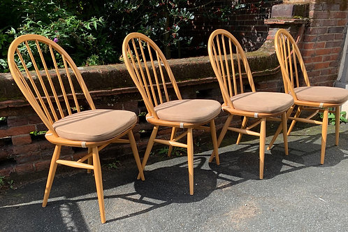 Set Of 4 Ercol 877 Windsor Dining Chairs With Seat Pads In LT Blonde Finish