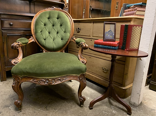 Elegant Victorian Walnut Frame Spoon Back Armchair With Jewel Green Upholstery