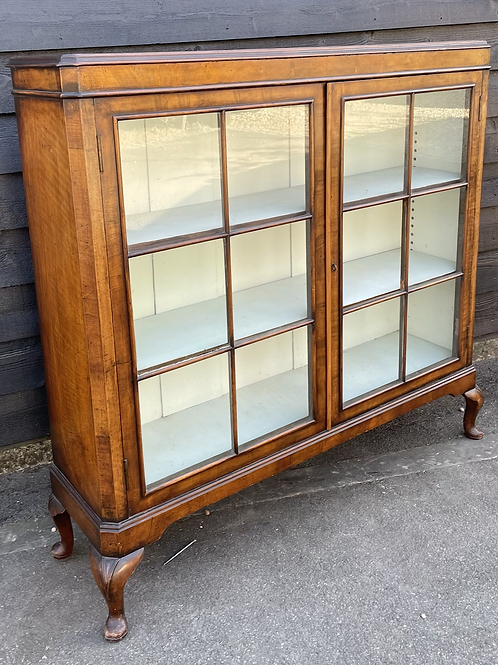 Traditional Early 20th Century Walnut Veneer Glass Fonted Chine Display Cabinet