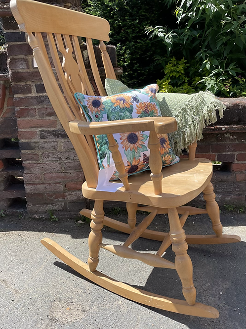Traditional Farmhouse Style Rocking Chair