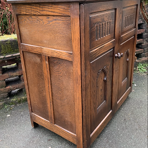 Good Quality Webber Furniture Two Door TV / Entertainment Cabinet / Cupboard