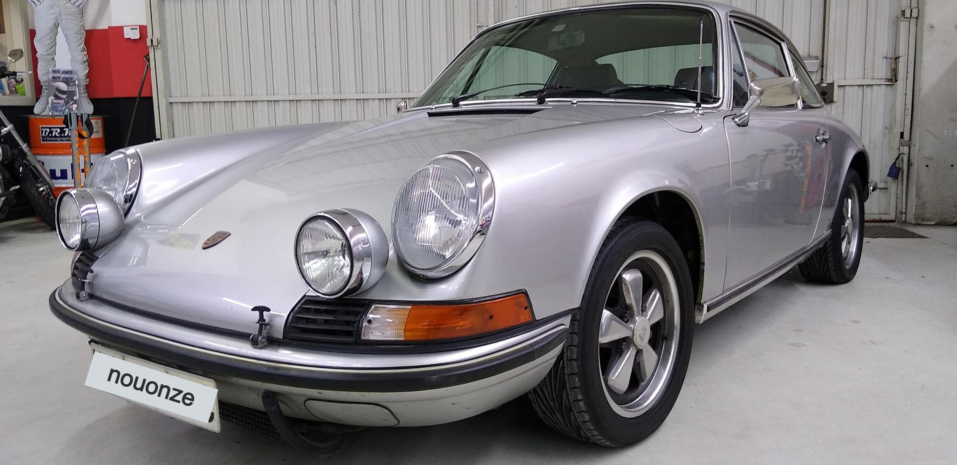 Porsche911%202_edited.jpg