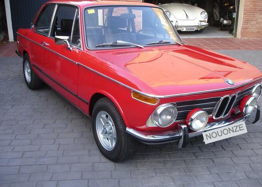 BMW_2002_Tii%205_edited.jpg
