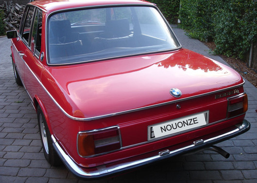 BMW_2002_Tii%201_edited.jpg
