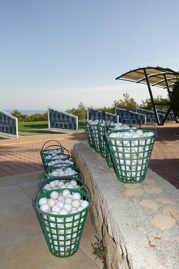 Golfskola bollar