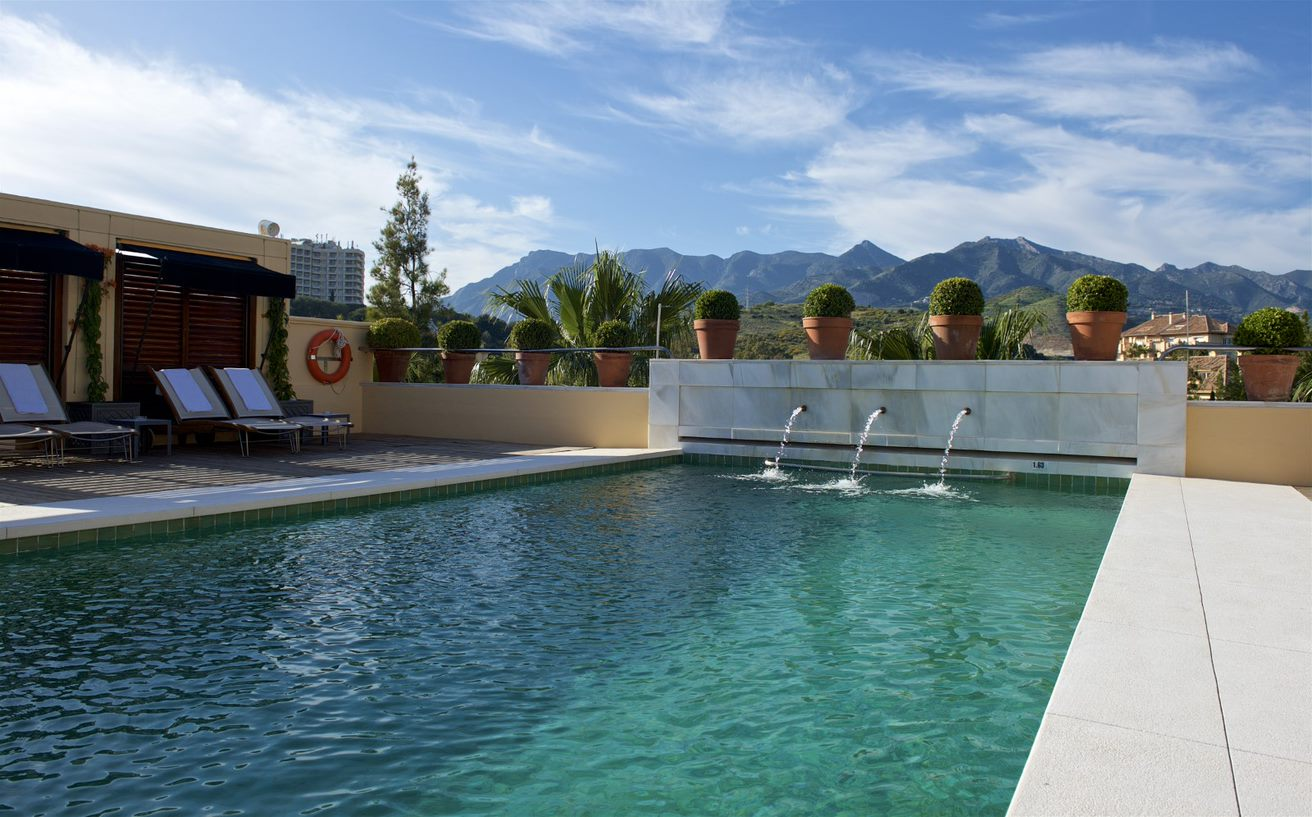 Rio Real pool