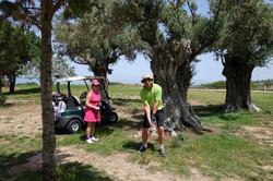 Golfskola_bland_träden