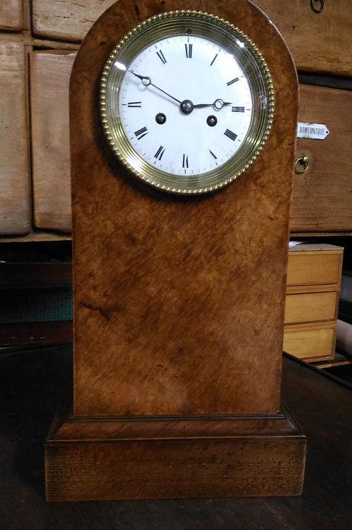 Horloge Borne En Loupe De Tuya