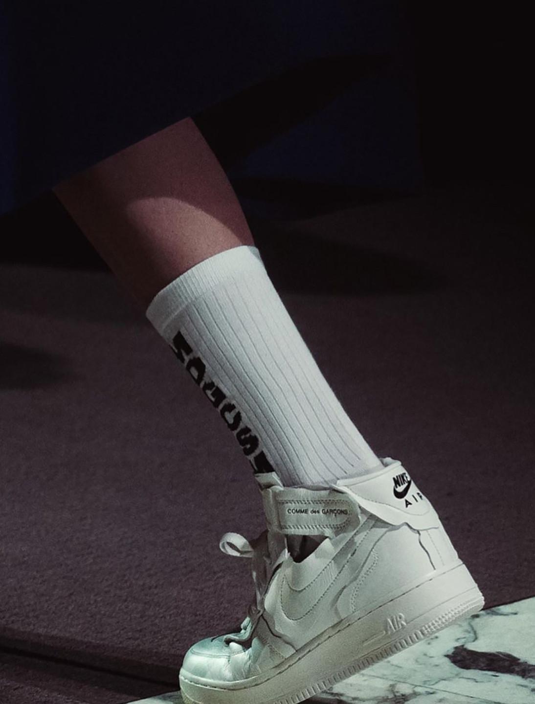 2_COMME_des_GARÇONS_x_Nike's_AF1_Mid_Col