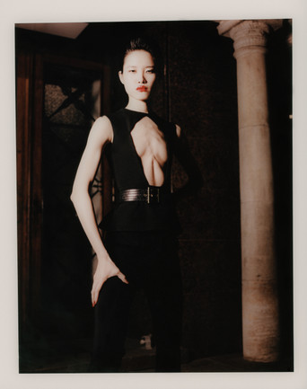 2019 - 04 - Vogue Portugal (15).jpg