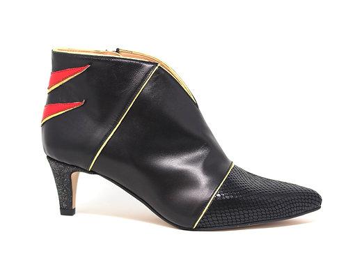 boots noire et rouge - chaussure fait main - marque Créatis