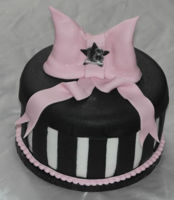 Chanel Bow Chanel Bow Cake