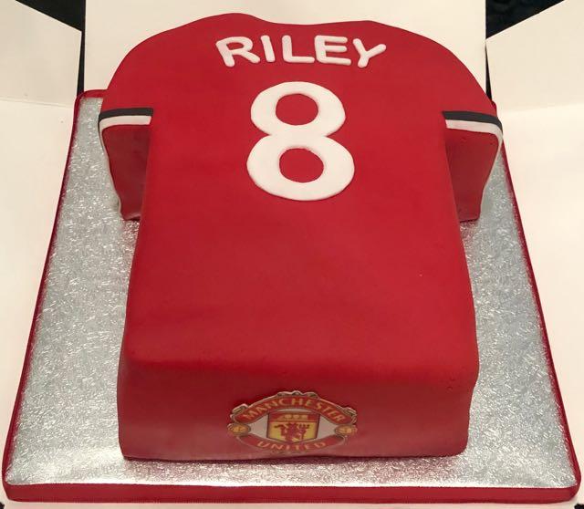 Man United football cake