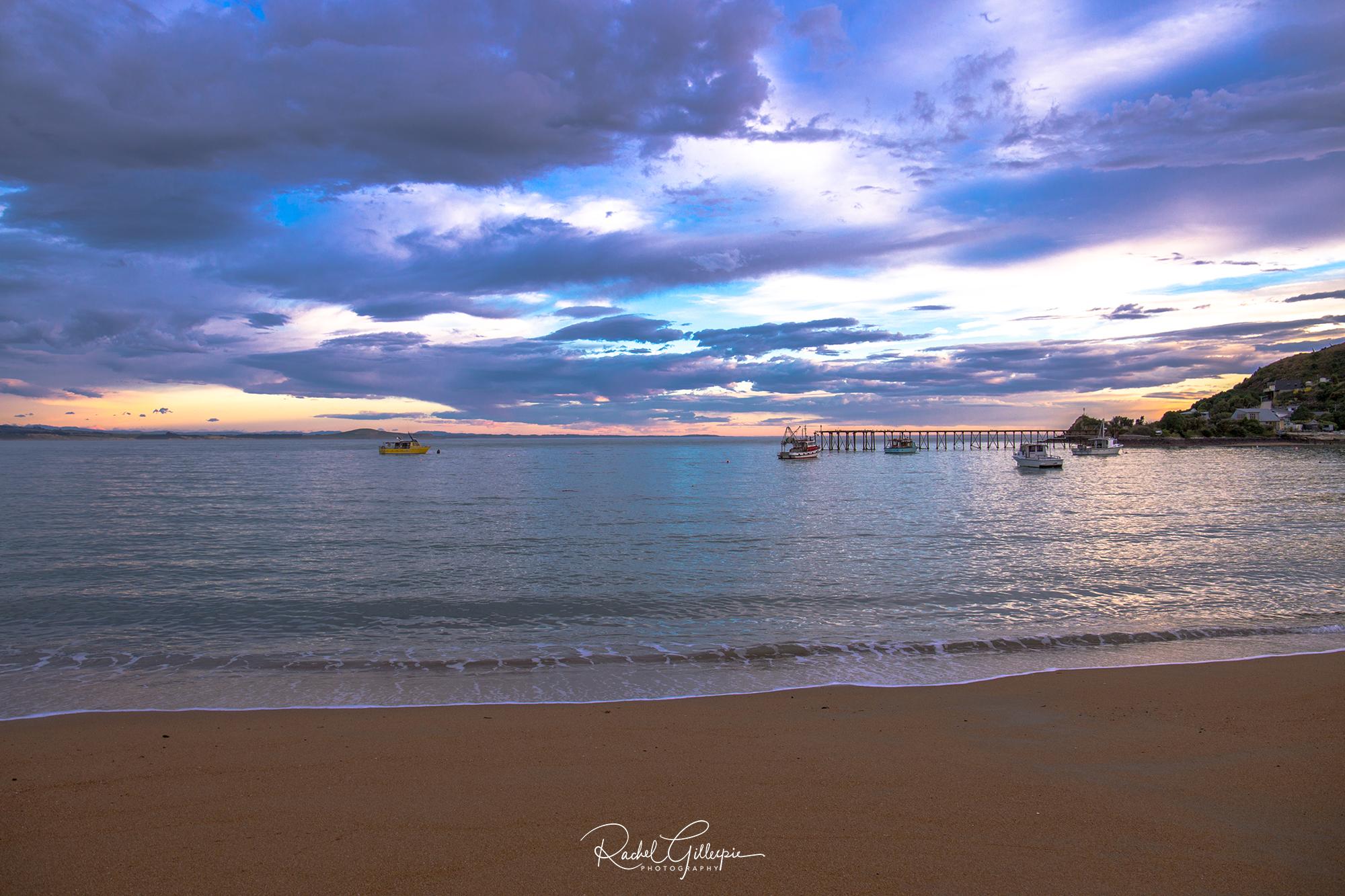 Moeraki Sunrise in the Bay