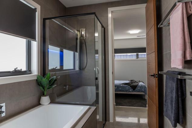 bathroom3.SC29.JPG