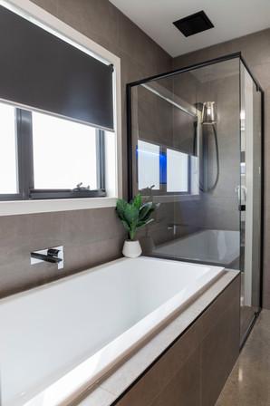 bathroom2.SC29.JPG