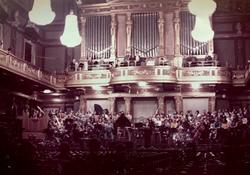 ウィーン トーンキュンスオーケストラ演奏会 テノール独唱 1972.12. ウィーン楽友協会大ホール  ウィーンジュネッセ合唱団 オーストリア放送協会放送   06