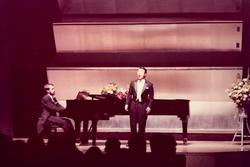 長谷川敏テノールリサイタル 歌曲集「詩人の恋」他  1976年6月 東京文化会館小ホール Pf.H.ドイチュ  02
