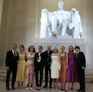 Зачем американская Первая Леди и британская герцогиня вышли в одинаковых нарядах