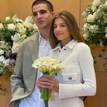 Александра Новикова стала невестой