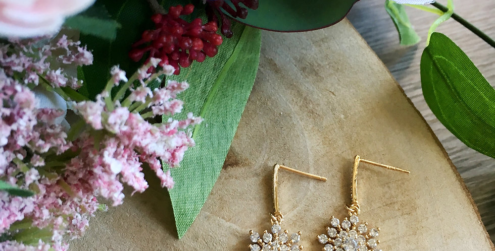 14k Gold Diamonate Snowflake Earrings
