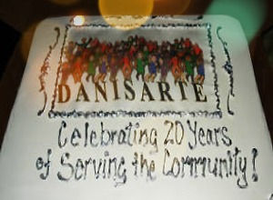 Danisarte_20Years_cake%20copy_edited.jpg
