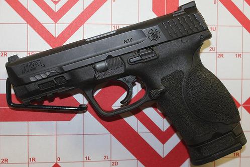 Smith & Wesson M&P 40      40S&W  w/ 5 Magazines