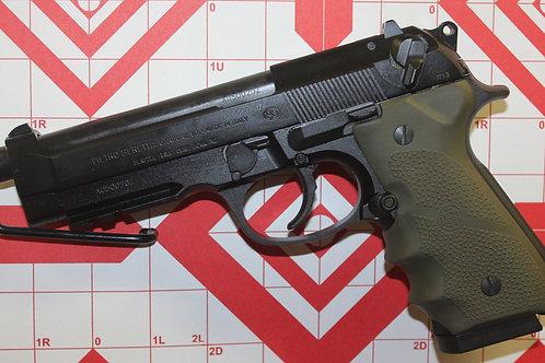 Beretta  92A1  9MM   w/ 3 Mags