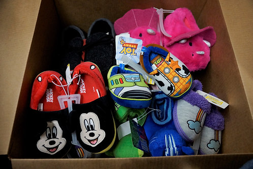 Case Lot of Kids Slippers - Shelf Pulls - Manifested