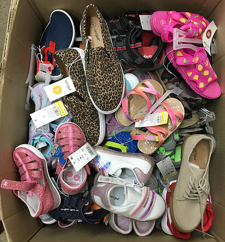 Case Lot of Kids Shoes - 116 Units - Shelf Pull Condition