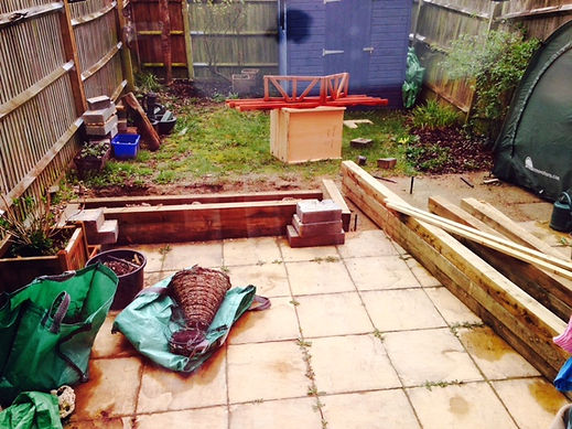 Poor quality Garden, Clay soil, Blue Shed, Wooden Planter