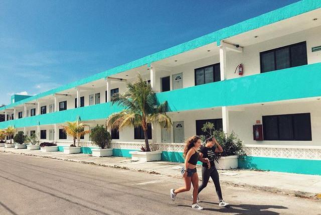 #streetphotography #motel #runninggirls