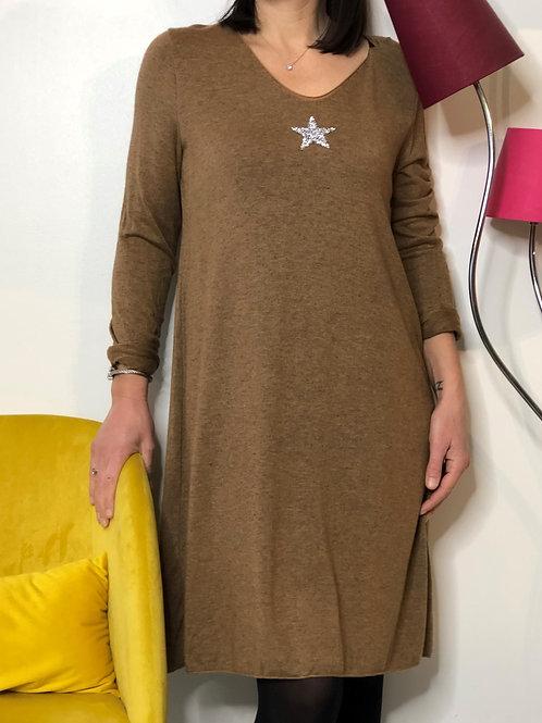 Robe pull étoile camel