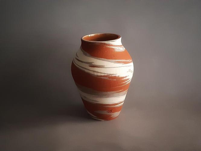 C18 Crater  marble vase