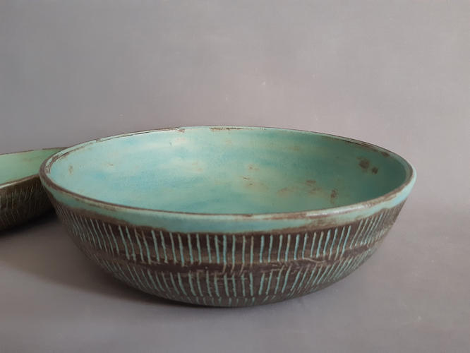 Large turquoise groove bowl