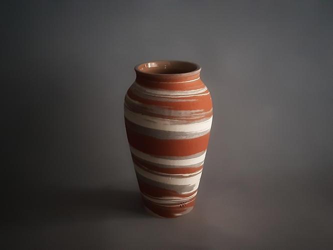 C17 Crater marble vase
