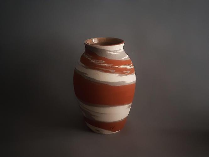 C16 Crater  marble vase