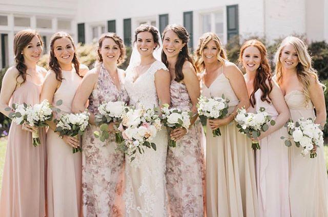 Beautiful bridal parties! 💐