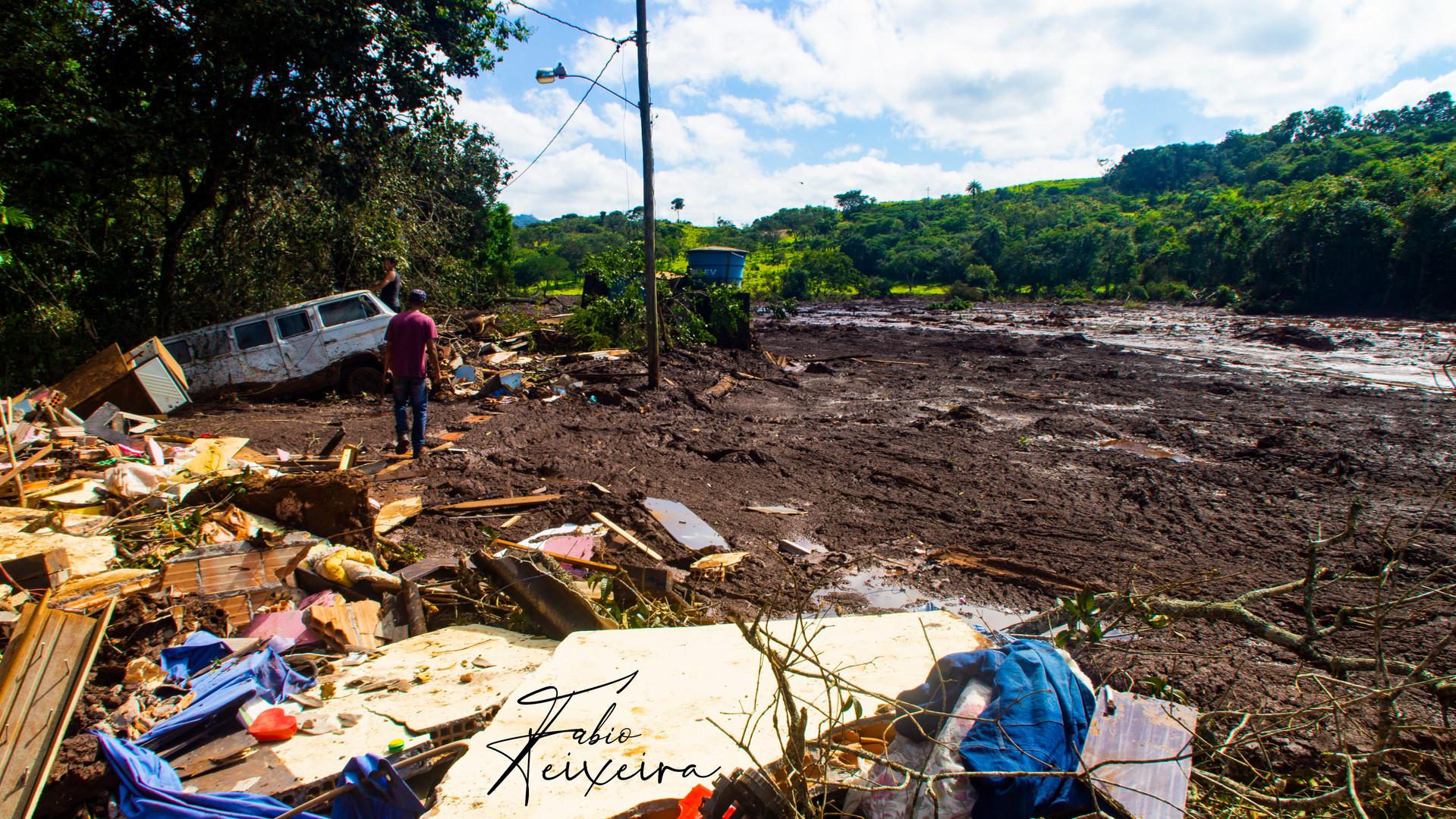 Caminho de destruição da lama.jpg