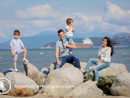 Vancouver Beach Family Photography by  Rochelle Elise Photography