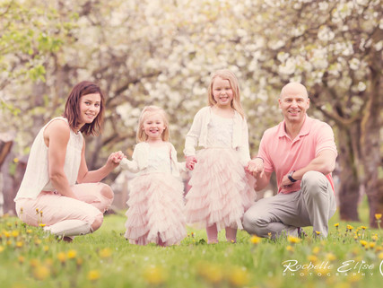 Family Photography Cherry Blossom Mini Session with Rochelle Elise Photography in Vancouver BC and t