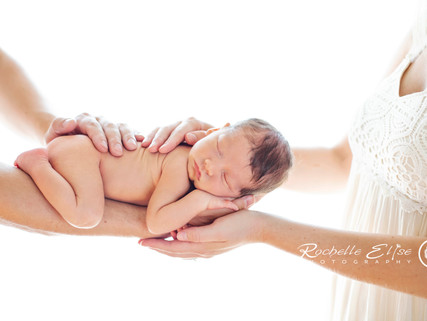Vancouver's Natural Newborn photography by Rochelle Elise Photography