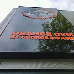 Svetelný boc Orange Gym - Sportový areál Leithana