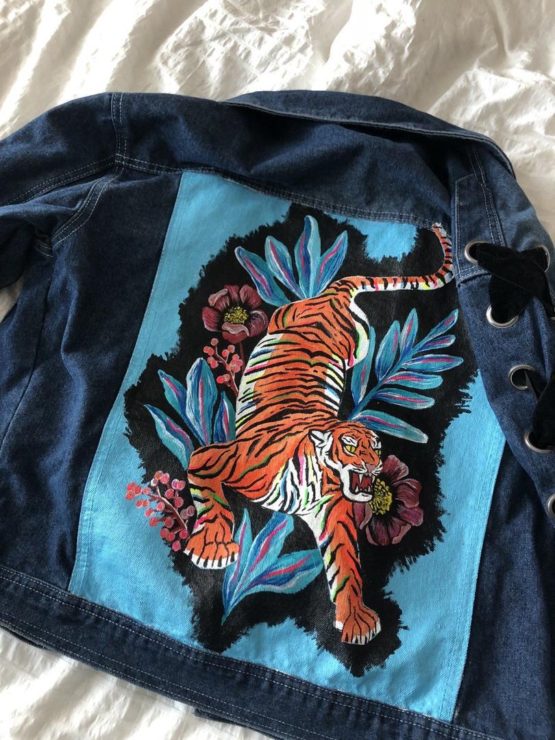 EL TIGRE one of a kind lace up jacket.jp