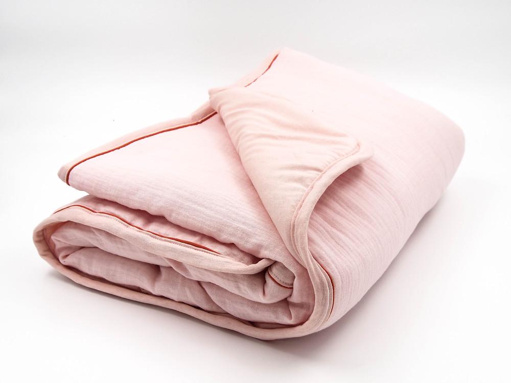 תינוקות ישנים טוב עם שמיכה לתינוק