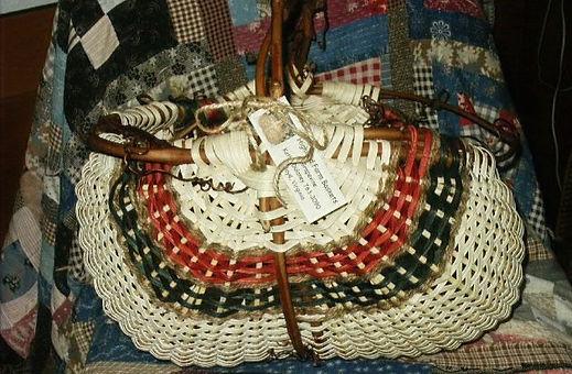 Intermediate Basketry, Using Grapevines (FIB-101221)
