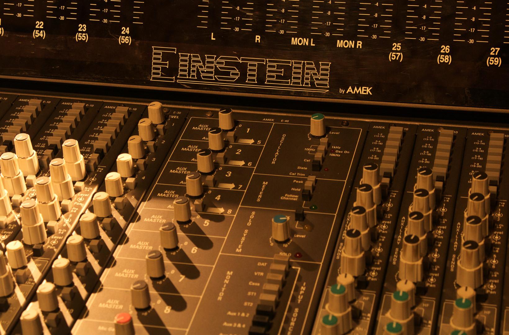 Control Room Einstein