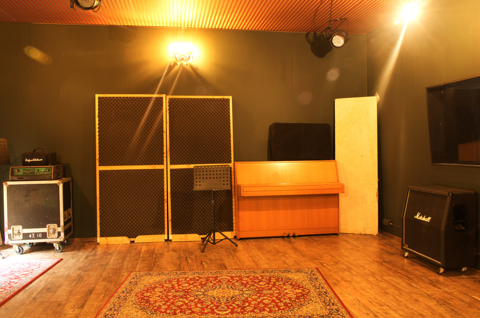 Aufnahmeraum-Klavier