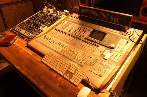 Tascam DM 4800 48 Kanal Digitalmischpult