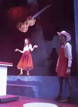 Ella and Chef Joey (Emma Thomson, Calum Runcie)